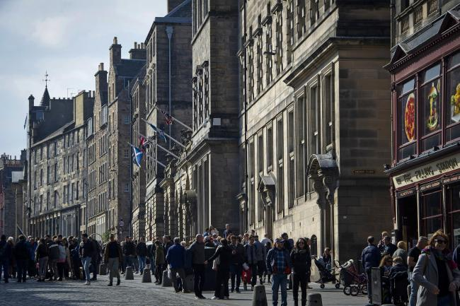 Scottish business confidence remains above UK average despite declining further due to economic uncertainty and collapsing export deals