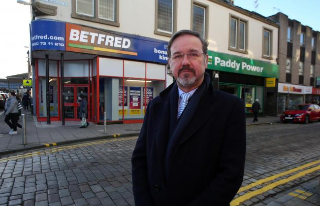 SNP candidate for Inverclyde Ronnie Cowan hit out at the 'dodgy bar charts'